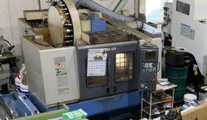 大阪府大東市の金属金型部品製作の日本プレス金型は金型設計や少量多品種の加工の日本プレス金型の保有設備情報のマシニングセンターのマザックのマザテックV-414/32